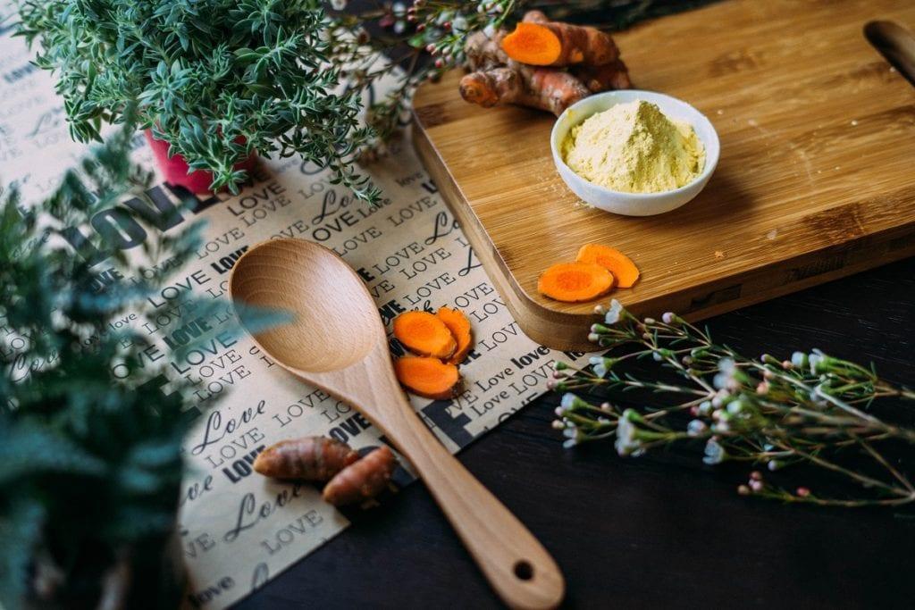 curcuma et ginseng indien en poudre