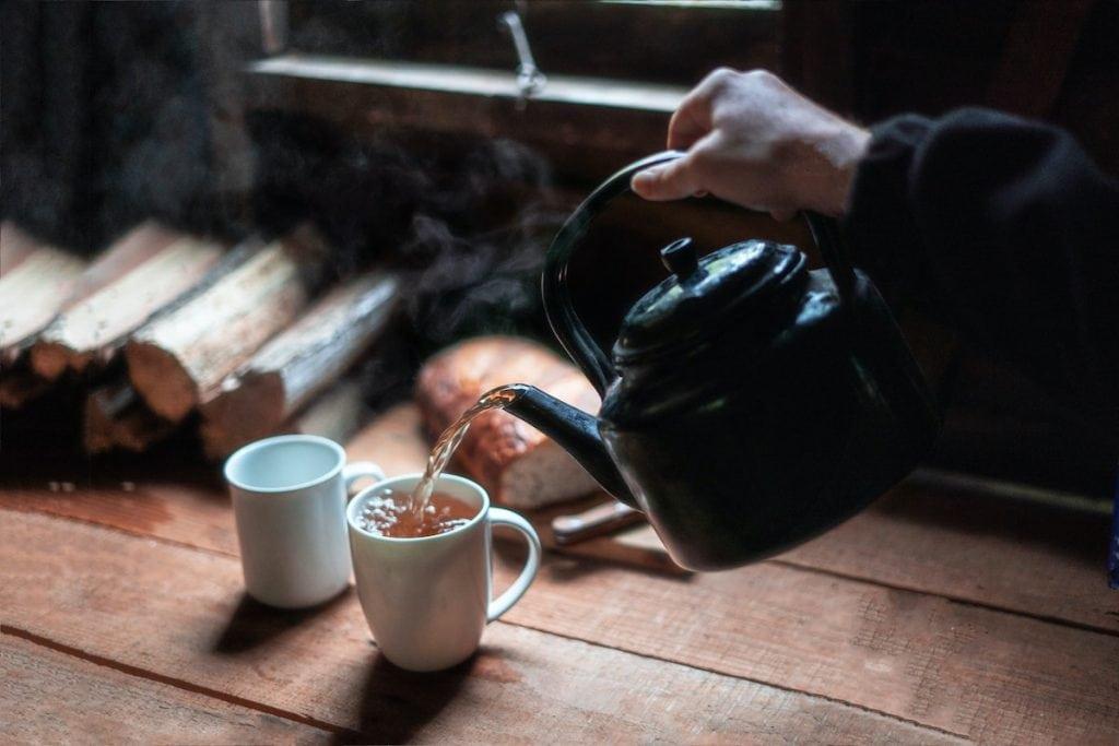 Préparation simple du thé noir